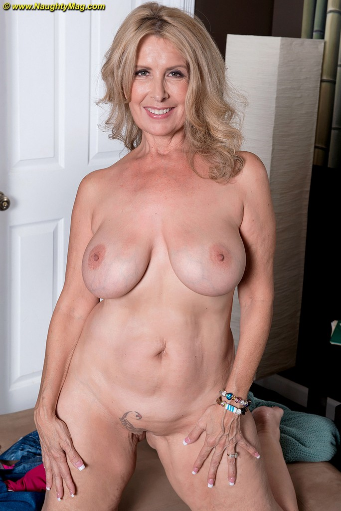 Mature swingers at the trailer park 9