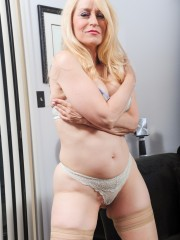 Lusty newcomer Robin Pachino in hardcore action for devlisfilm.com