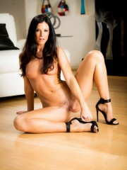Sultry and sexy India Summer loves pussy and makes it come at sweetheartvideo.com