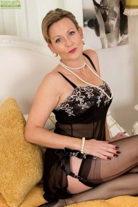 Huntington Smyth makes her adult debut at karupsow.com