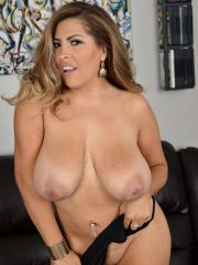 Exciting MILF model Alessandra Miller puts on a sexy strip show at alover30.com