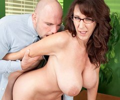 Cassie Cougar gets ass fucked at pornmegaload.com