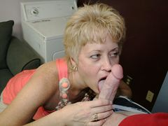Amateur MILF Tracy Licks sucks a big cock to completion at seemomsuck.com