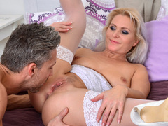 Sexy blond amateur MILF Kathy Anderson debuts at anilos.com