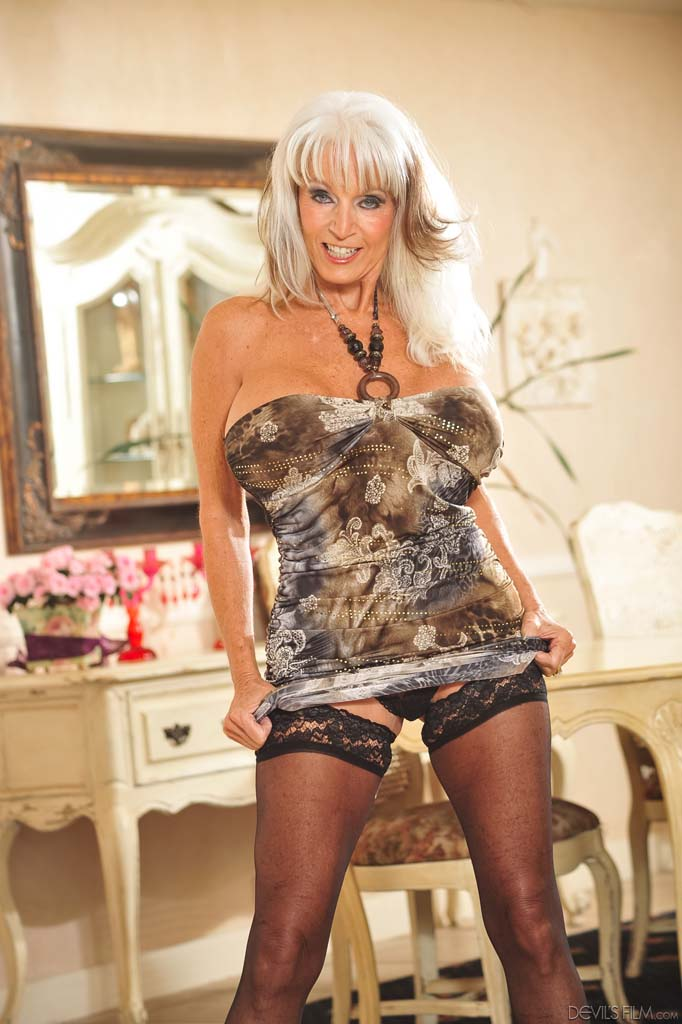 Sally D'Angelo | Lusty Mature